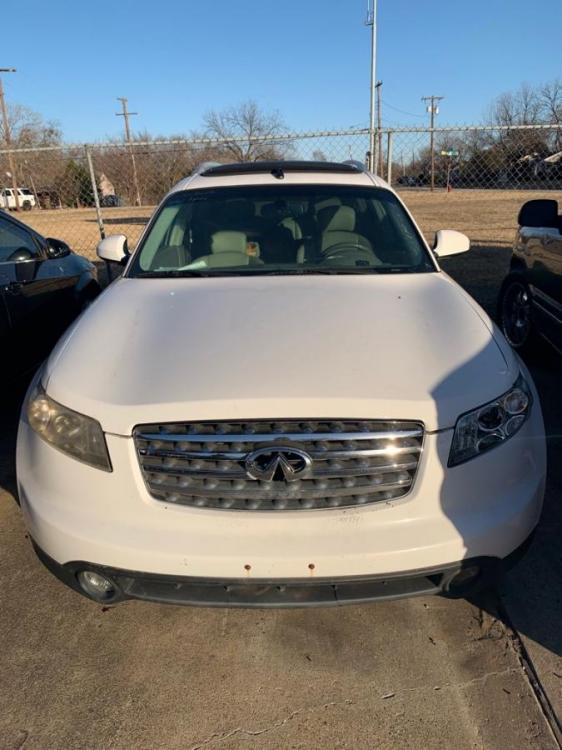2004 WHITE /Willow Leather Interior INFINITI FX35 (JNRAS08U24X) with an 3.5L engine, Automatic transmission, located at 2002 W Main St., Grand Prairie, TX, 75050, (972) 641-9598, 32.740414, -97.031143 - Photo #0
